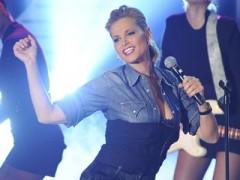 Simona Ventura, va fuori dei seno a X Factor